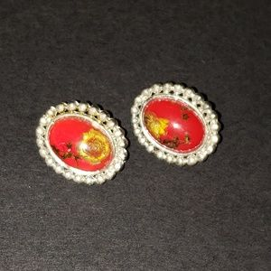 Jewelry - Unique clip-on oval earrings